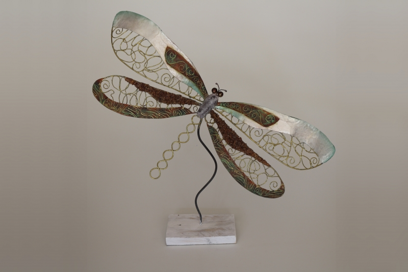 Libelle aus Metall