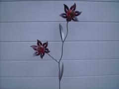 Doppelblume in rot - Metall pulverisiert, ca. 150 cm, wetterbeständig